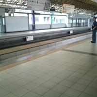 Foto tirada no(a) LRT 2 (V. Mapa Station) por Mj S. em 2/20/2013