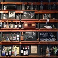 Das Foto wurde bei Sycamore Flower Shop + Bar von Karen B. am 1/5/2014 aufgenommen