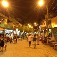 Foto tirada no(a) Calçadão de Porto de Galinhas por Marcelo S. em 7/16/2013
