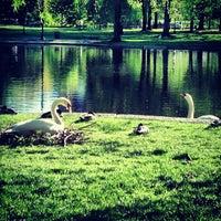 Foto tomada en Jardín Público de Boston por Alice P. el 5/16/2013