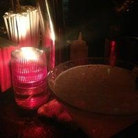 Das Foto wurde bei Plunge Rooftop Bar & Lounge von Tiffany W. am 10/13/2012 aufgenommen