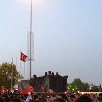 6/1/2013にAli H.がDemokrasi Meydanıで撮った写真