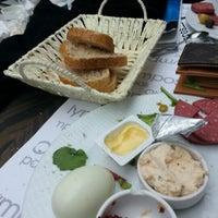 1/11/2013 tarihinde 🎀 Beyza G.ziyaretçi tarafından Olympos Cafe & Bar'de çekilen fotoğraf