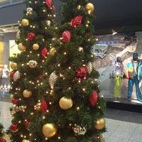 Foto diambil di MEGA Mall oleh Юлия 👩🏼 pada 1/13/2013