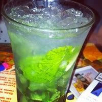 Foto diambil di Simple Pub oleh Marika N. pada 2/1/2013