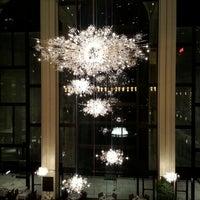 Foto scattata a Metropolitan Opera da Tony W. il 4/21/2013