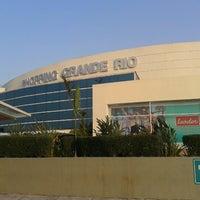 Foto tirada no(a) Shopping Grande Rio por Jady M. em 9/19/2012