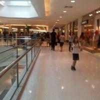 รูปภาพถ่ายที่ Shopping Recife โดย Hayanna L. เมื่อ 9/22/2012