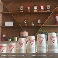 Das Foto wurde bei Element Specialty Coffee von NSTami am 4/4/2018 aufgenommen