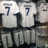 realimentación eje Consejo  adidas Shop-in-Shop Madrid ECI Preciados - Sporting Goods Shop in Madrid