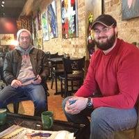 Foto tomada en Stomping Grounds Coffee & Wine Bar por Alex R. el 11/21/2012