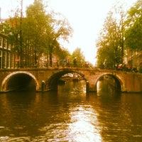6/18/2013 tarihinde Charlotte .ziyaretçi tarafından Herengracht Restaurant & Bar'de çekilen fotoğraf