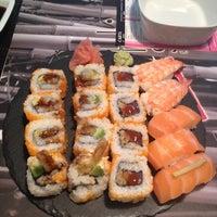 11/30/2012にSandra C.がSushi Store Expressで撮った写真