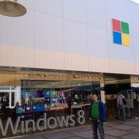 Foto tirada no(a) Microsoft Store por Aleksandr P. em 2/20/2013