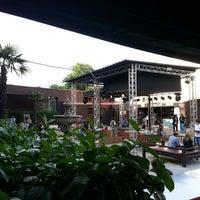 6/25/2013 tarihinde Tram M.ziyaretçi tarafından Bobino Club'de çekilen fotoğraf