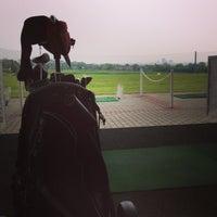 Das Foto wurde bei Golf-Club Golf Range Frankfurt Bernd Hess e.K. von Lia am 5/4/2013 aufgenommen