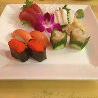 1/1/2013 tarihinde Kirk R.ziyaretçi tarafından Kyoto Sushi Bar'de çekilen fotoğraf