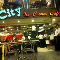 11/19/2012にToci A.がCity Ice Cream Cafeで撮った写真