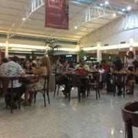 Foto tomada en Via Verde Shopping por Marcela S. el 5/30/2013
