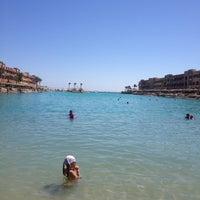 Das Foto wurde bei Red Sea von Danijela . am 8/13/2013 aufgenommen