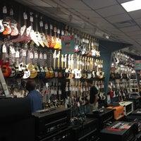 11/3/2012 tarihinde Andres D.ziyaretçi tarafından Guitar Center'de çekilen fotoğraf