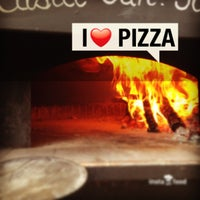 Foto tirada no(a) Mamma Mia Pizza & FastGood por Mamma Mia F. em 9/6/2013