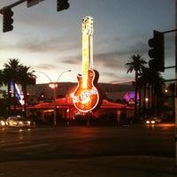 รูปภาพถ่ายที่ Hard Rock Hotel Las Vegas โดย Andrea A. เมื่อ 9/30/2013