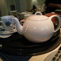 Foto diambil di The Tea Room Tirana oleh Ne O. pada 10/23/2012