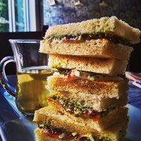 Foto tomada en Seventh Tea Bar por Mona S. el 1/9/2013