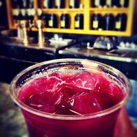 Foto tomada en Seventh Tea Bar por Mona S. el 3/26/2013