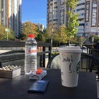 10/28/2018 tarihinde Sdtziyaretçi tarafından Starbucks'de çekilen fotoğraf