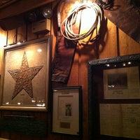 รูปภาพถ่ายที่ Taste of Texas โดย Jorge R. เมื่อ 1/12/2013