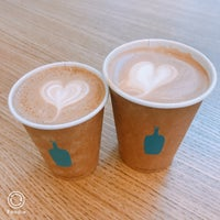 Foto tomada en Blue Bottle Coffee  por Xin K. el 9/7/2018