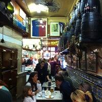 10/27/2012 tarihinde Fatos B.ziyaretçi tarafından El Xampanyet'de çekilen fotoğraf