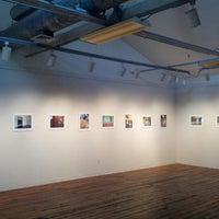 Foto tirada no(a) Artspace Visual Arts Center por Brian D. em 10/13/2012