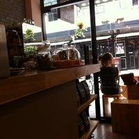Foto tirada no(a) Café del Volcán por le s. em 7/27/2013