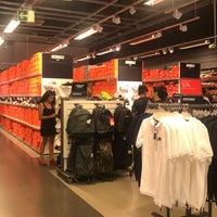 máximo Sanción Nube  Photos at Nike Factory Store - Plaza Mayor - 16 tips