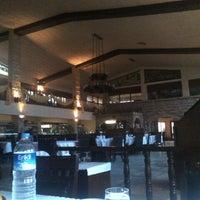 3/21/2013 tarihinde Mehmet Z.ziyaretçi tarafından Yalı Restaurant'de çekilen fotoğraf
