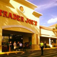 Снимок сделан в Trader Joe's пользователем Keith T. 4/7/2013