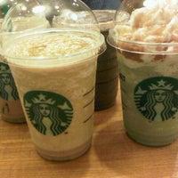10/9/2012 tarihinde akwilinalitziyaretçi tarafından Starbucks'de çekilen fotoğraf