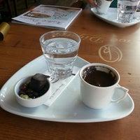 Foto diambil di Kahve Diyarı oleh Furkan pada 10/26/2013