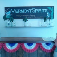 รูปภาพถ่ายที่ Vermont Spirits Distillery โดย Darrin W. เมื่อ 6/30/2013