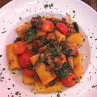 Foto scattata a Galli Restaurant da Christina Y. il 10/7/2012