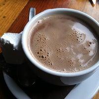 Photo prise au Mindy's Hot Chocolate par Rhonda L le2/23/2013