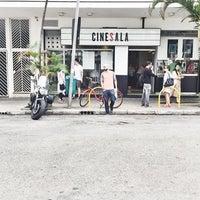 Foto tirada no(a) Cinesala por Pinheiros Co em 2/6/2017
