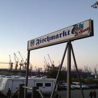 Das Foto wurde bei Hamburger Fischmarkt von Marcel N. am 10/28/2012 aufgenommen