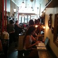 รูปภาพถ่ายที่ Double Dutch Espresso โดย Valentina R. เมื่อ 7/24/2014