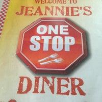 รูปภาพถ่ายที่ Jeannie's One Stop Diner โดย John P. เมื่อ 1/30/2013