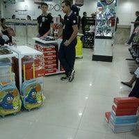 43ee92d30 Foto tirada no(a) Esposende Calçados — Shopping Tacaruna por André N. em ...