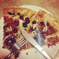 Foto scattata a Boca's Best Pizza Bar da Indiana H. il 9/13/2014